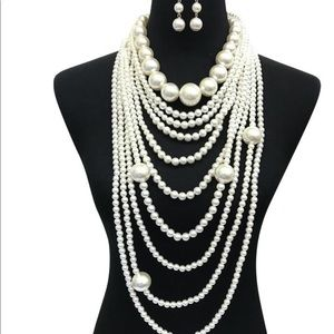 Jewelry - Multilayer Chunky Pearl Necklace